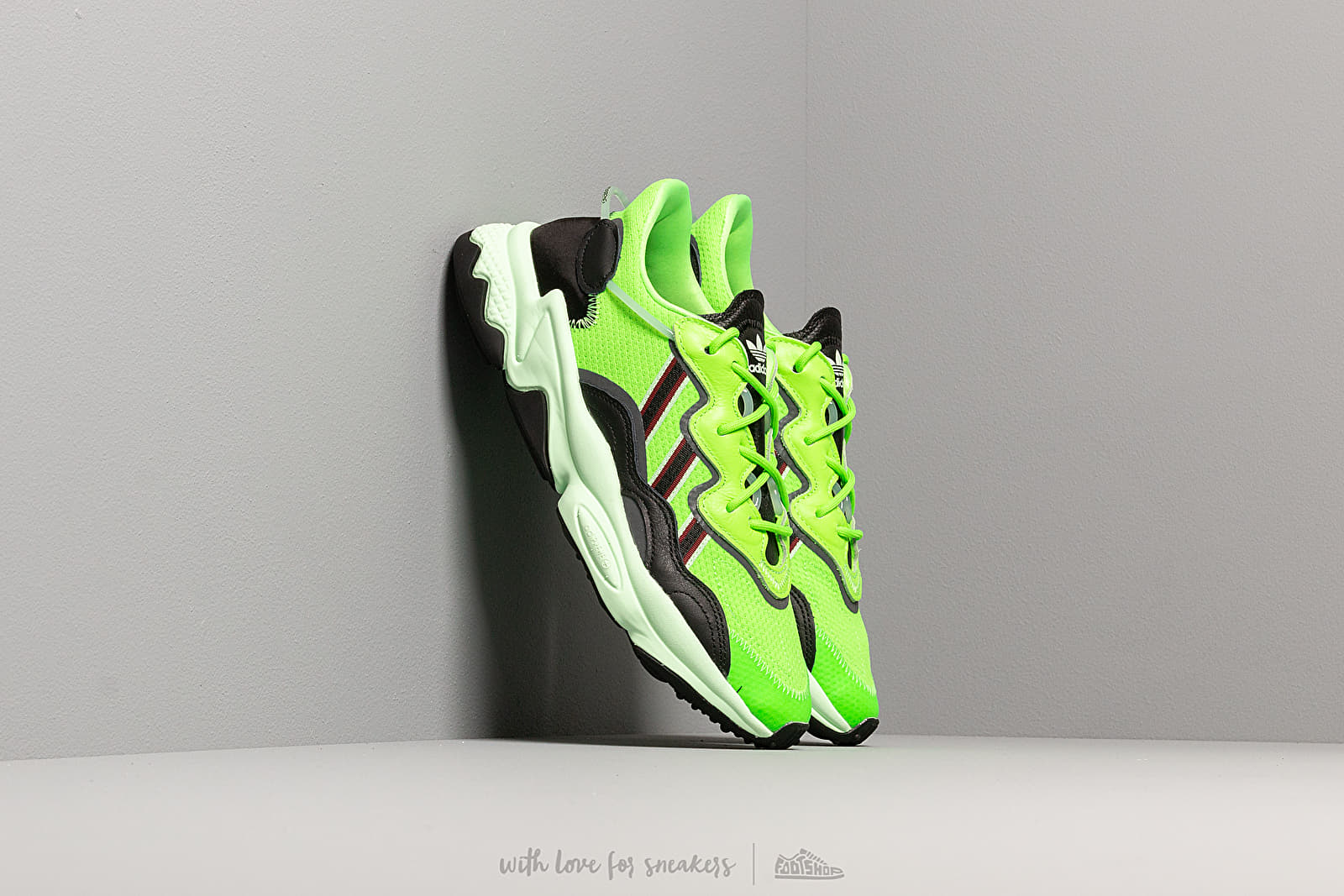 Zapatillas Hombre adidas Ozweego Semi Green/ Core Black/ Glow Green