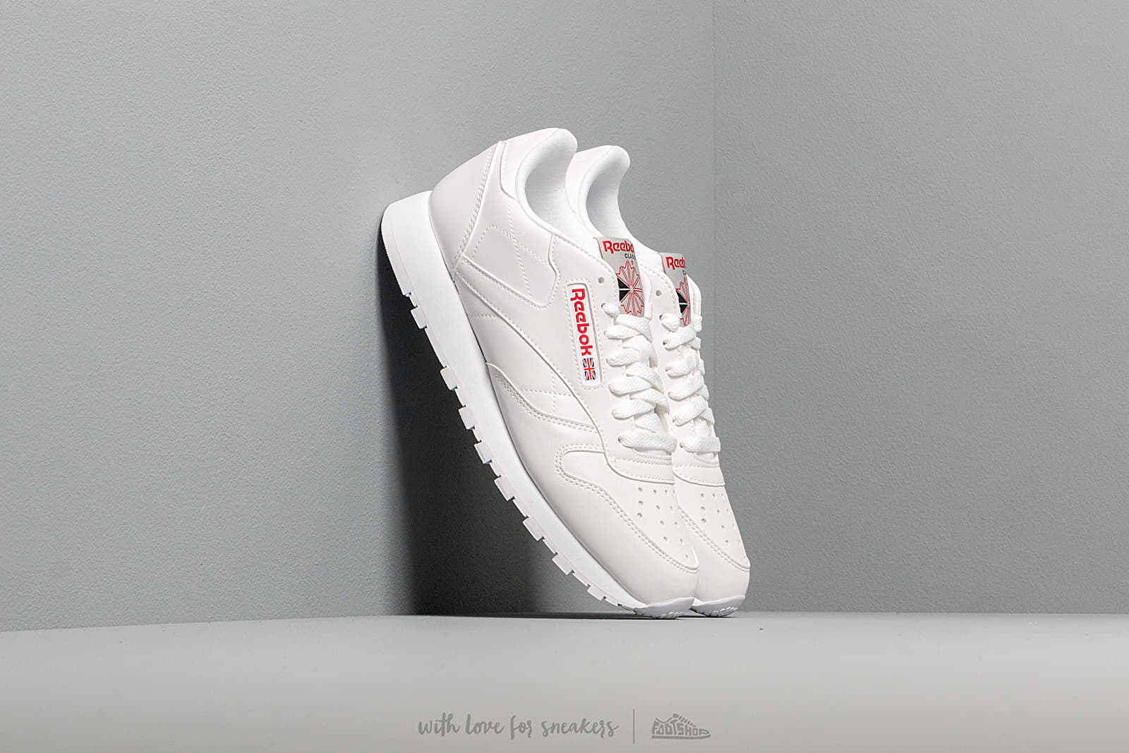 Reebok Cl Leather Mu White/ Grey/ Red/ Black za skvelú cenu 86 € kúpite na Footshop.sk