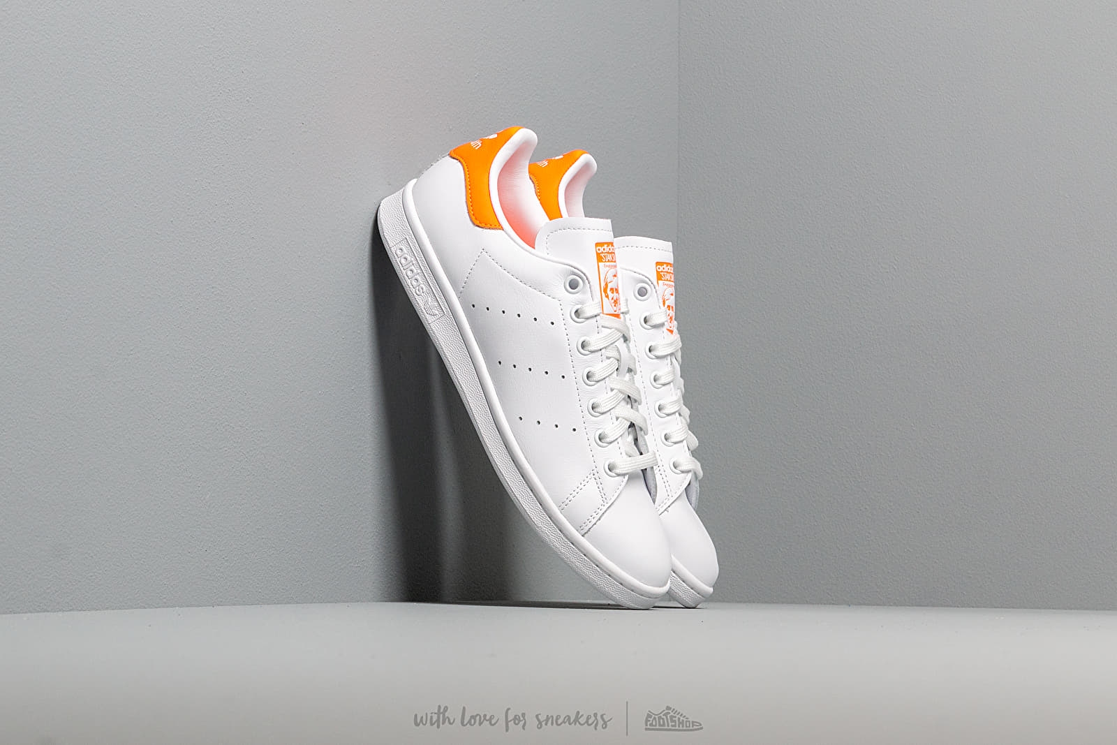Γυναικεία παπούτσια adidas Stan Smith W Ftw White/ Solar Orange/ Ftw White