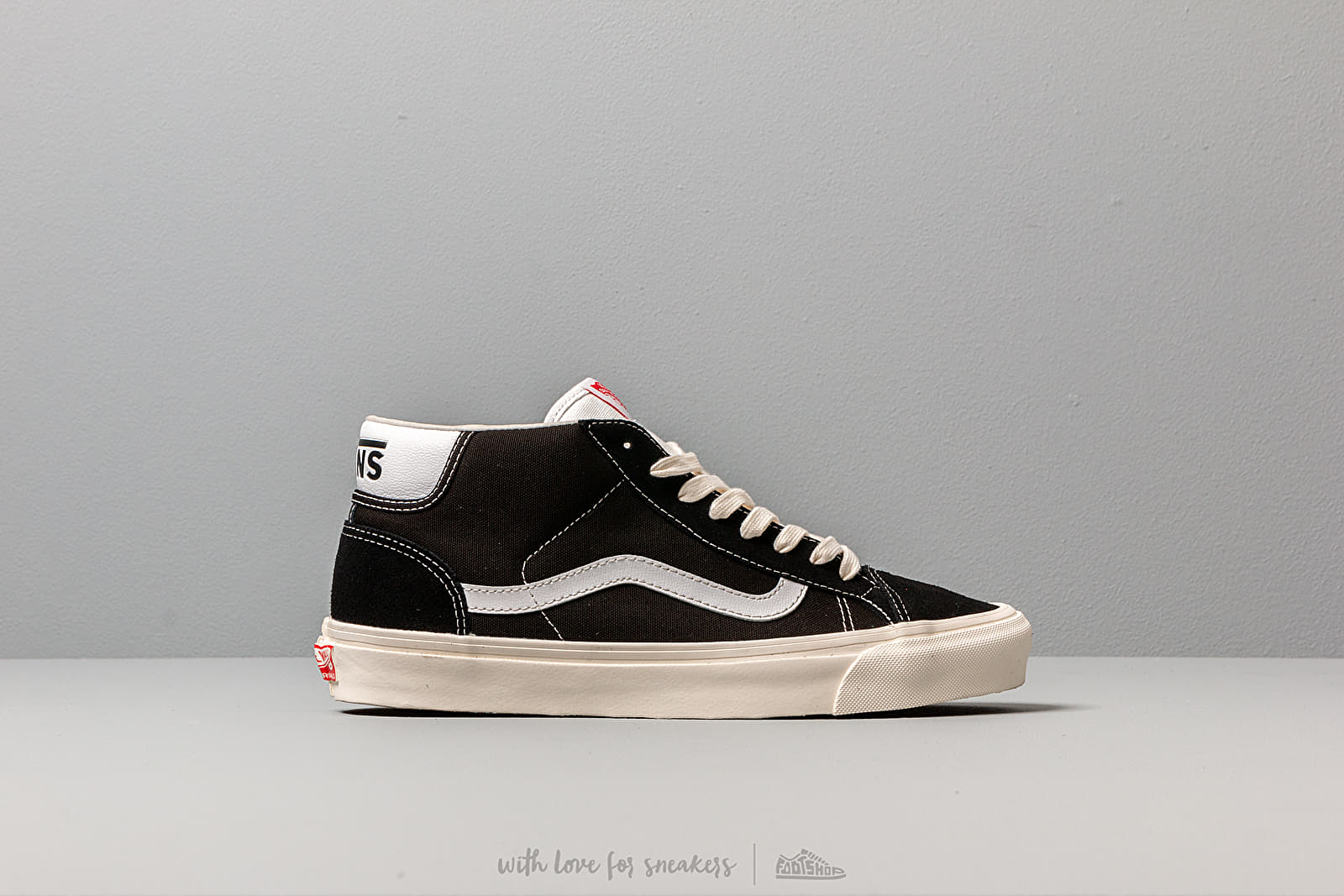 Og Mid Skool 37 L (Suede Canvas) Black White Vans