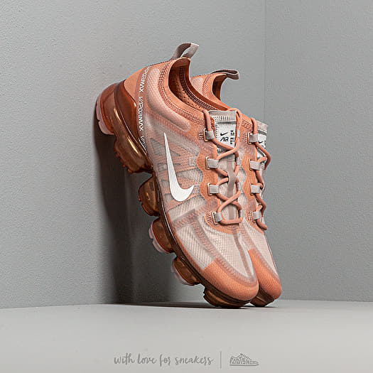 Nike Wmns Air Vapormax 2019 Rose Gold/ Summit White-Moon Particle | Footshop