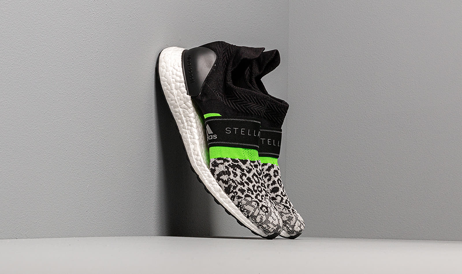 adidas x Stella McCartney UltraBOOST X 3D S BlackWhite Core White Solar Green