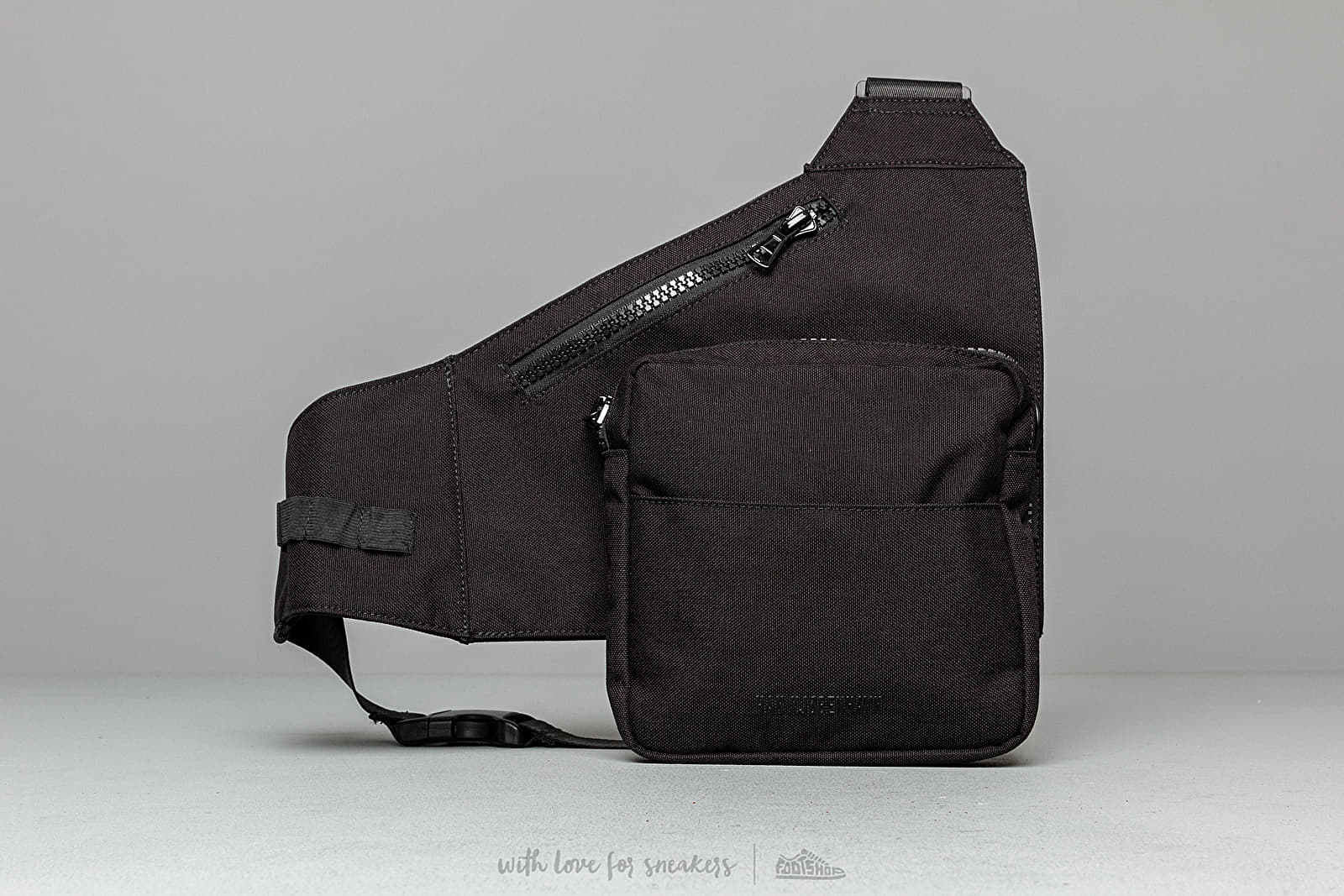 Han Kjobenhavn Triangle Bag
