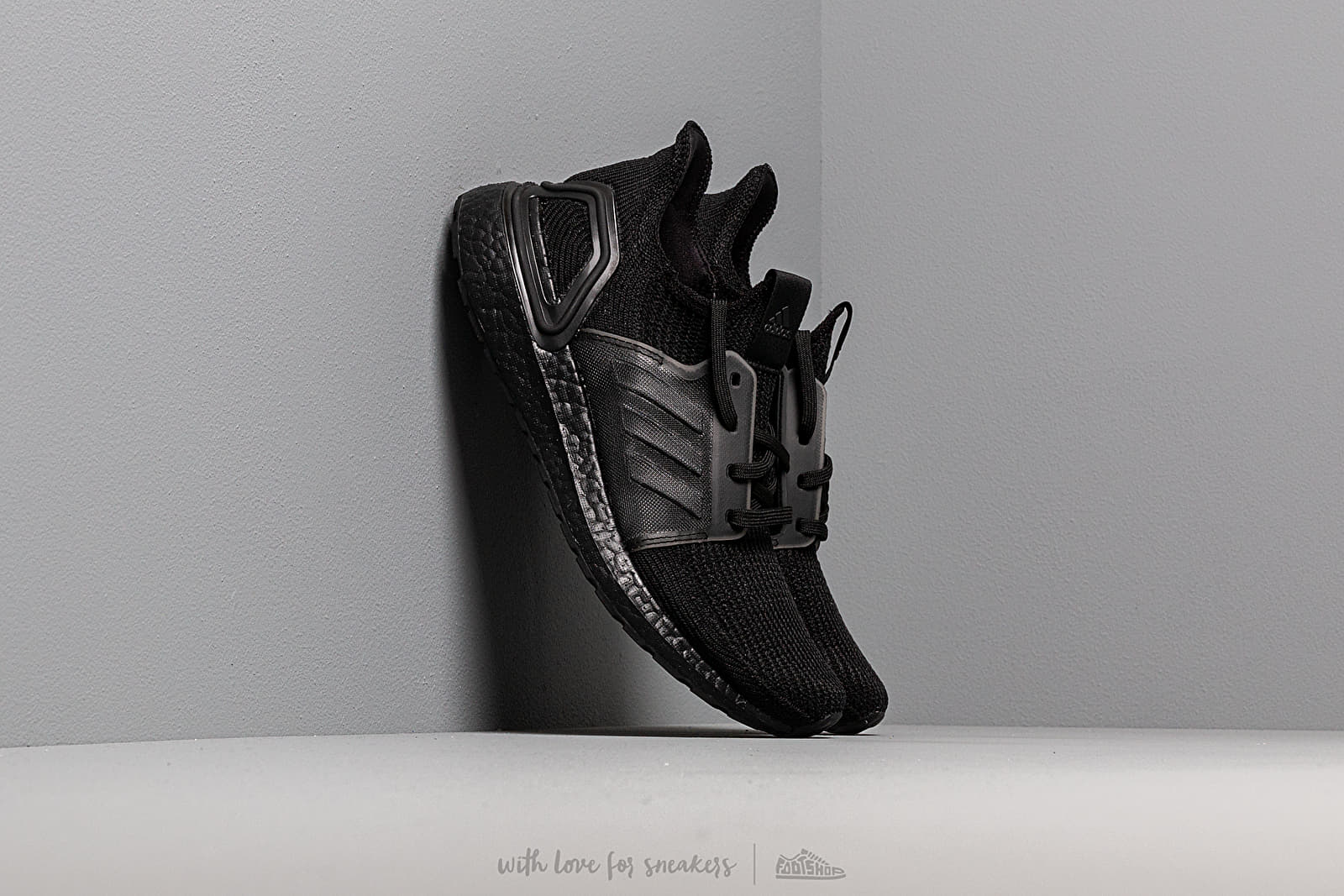 Dámské tenisky a boty adidas UltraBOOST 19 w Core Black/ Core Black/ Solar Orange