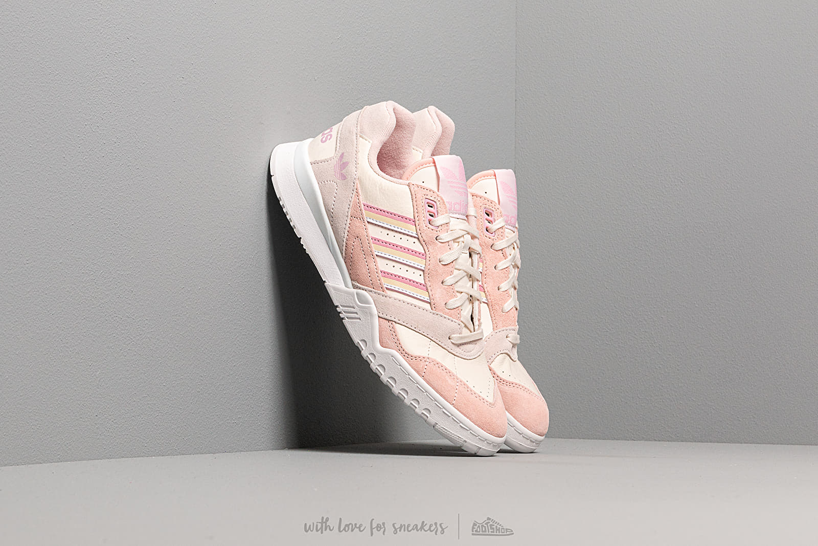 Zapatillas mujer adidas A.R. Trainer W Core White/ True Pink/ Orchid Tint