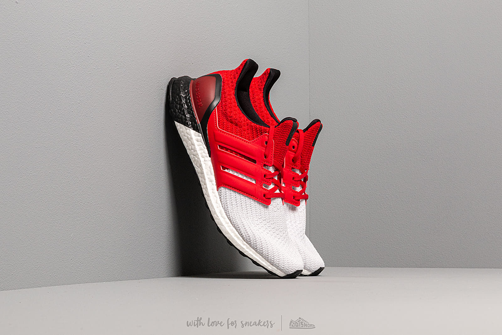 Men's shoes adidas UltraBOOST M Ftw White/ Scarlet/ Core Black