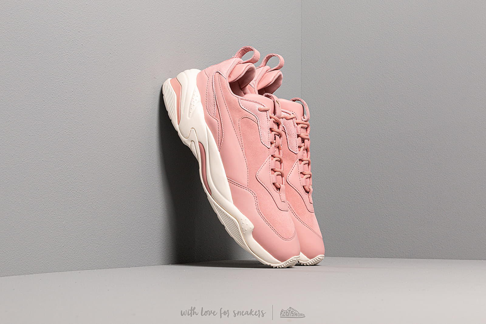 Női cipők Puma Thunder Fire Rose Wn s Bridal Rose-Puma Team Gold