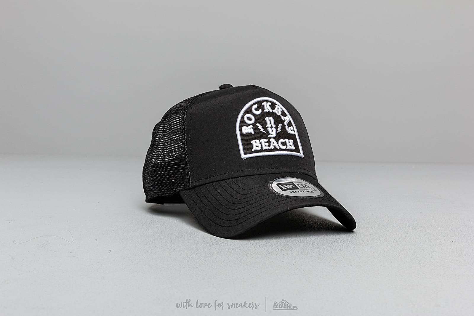 Kšiltovky New Era Rockbay Beach Trucker Cap Black
