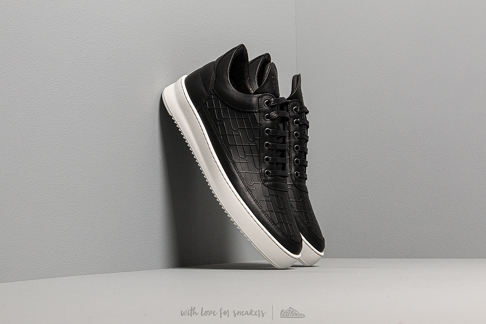Filling Pieces Low Top Ripple Mono