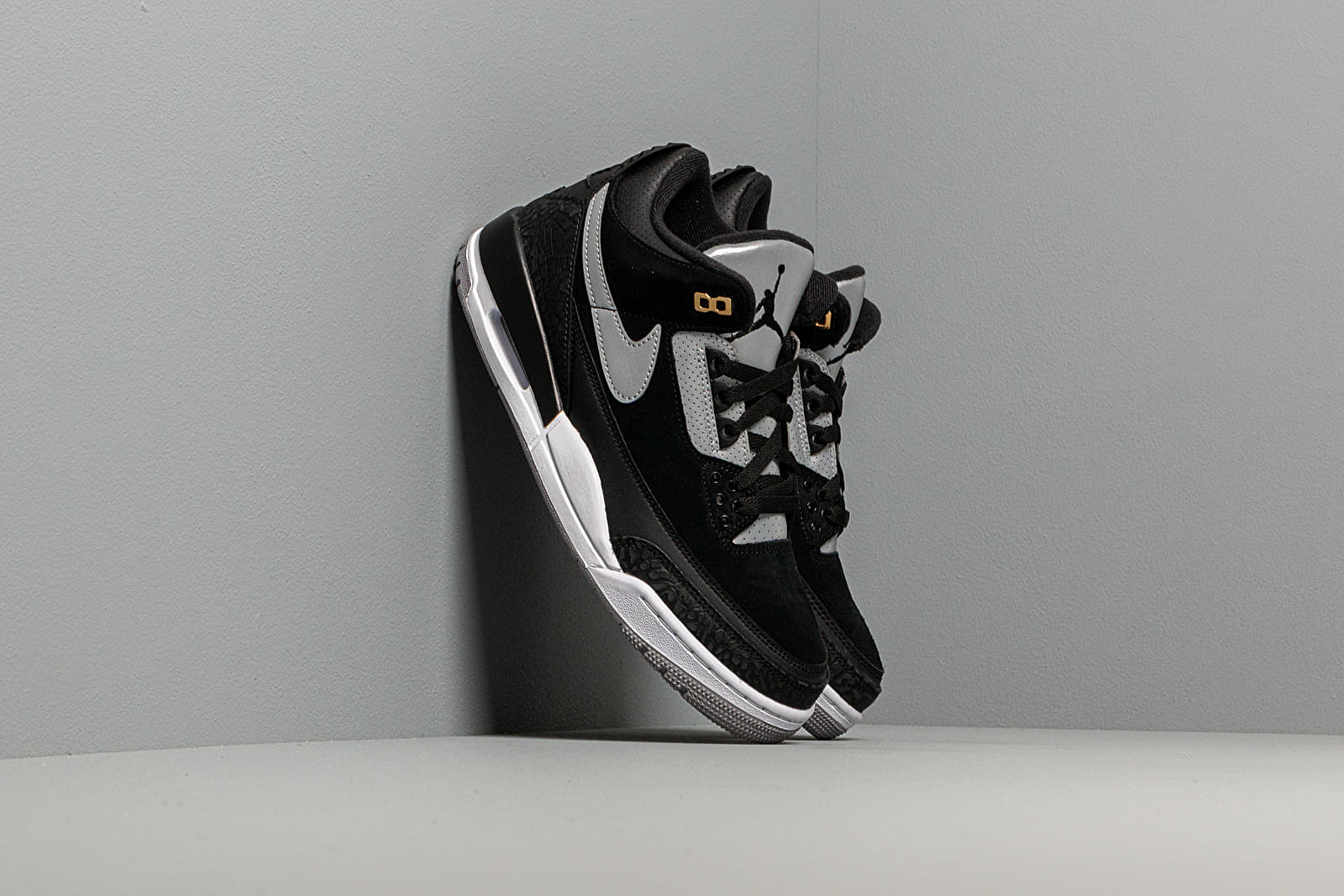 Men's shoes Air Jordan 3 Retro Th Black/ Cement Grey-Metallic Gold