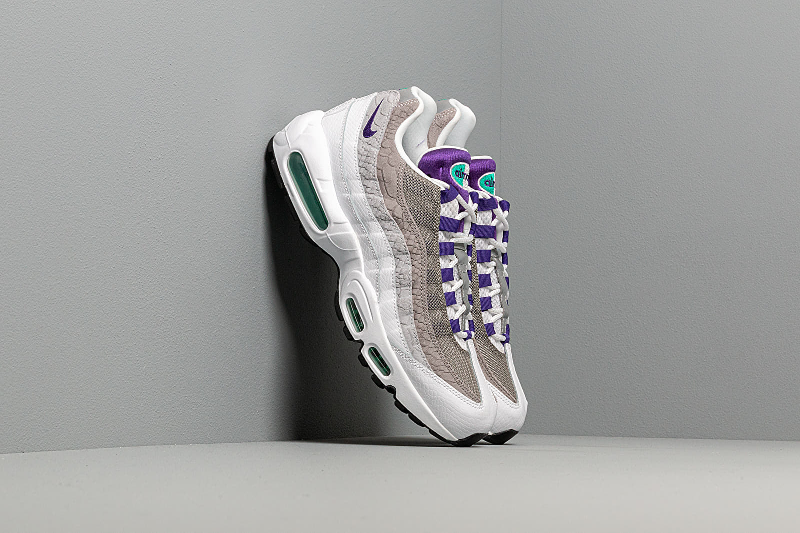 Men's shoes Nike Air Max 95 Lv8 White/ Court Purple-Emerald Green