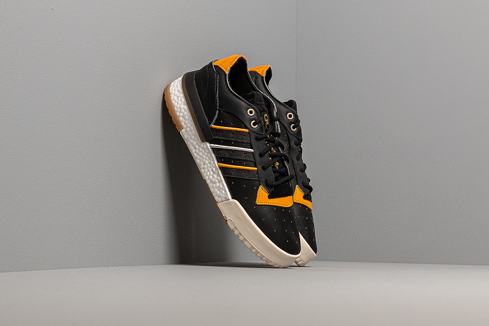 Männer adidas Rivalry RM Low Core Black/ Grey Six/ Carbon