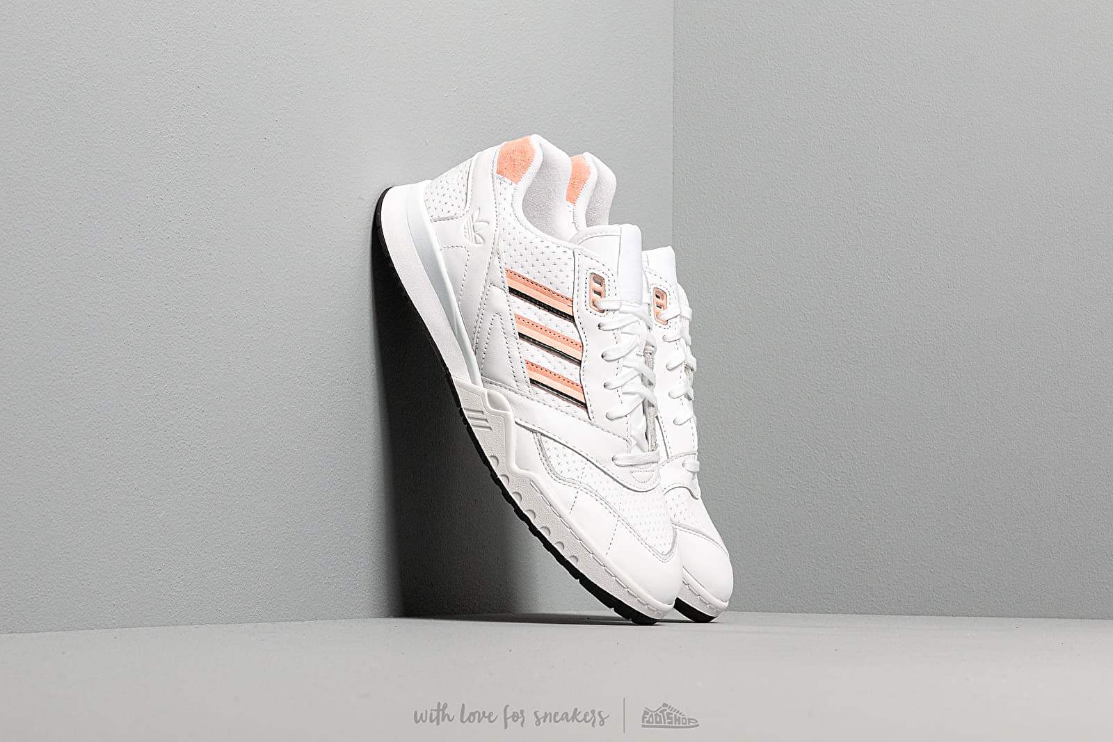 Muške tenisice adidas A.R. Trainer Ftw White/ Glow Pink/ Core Black