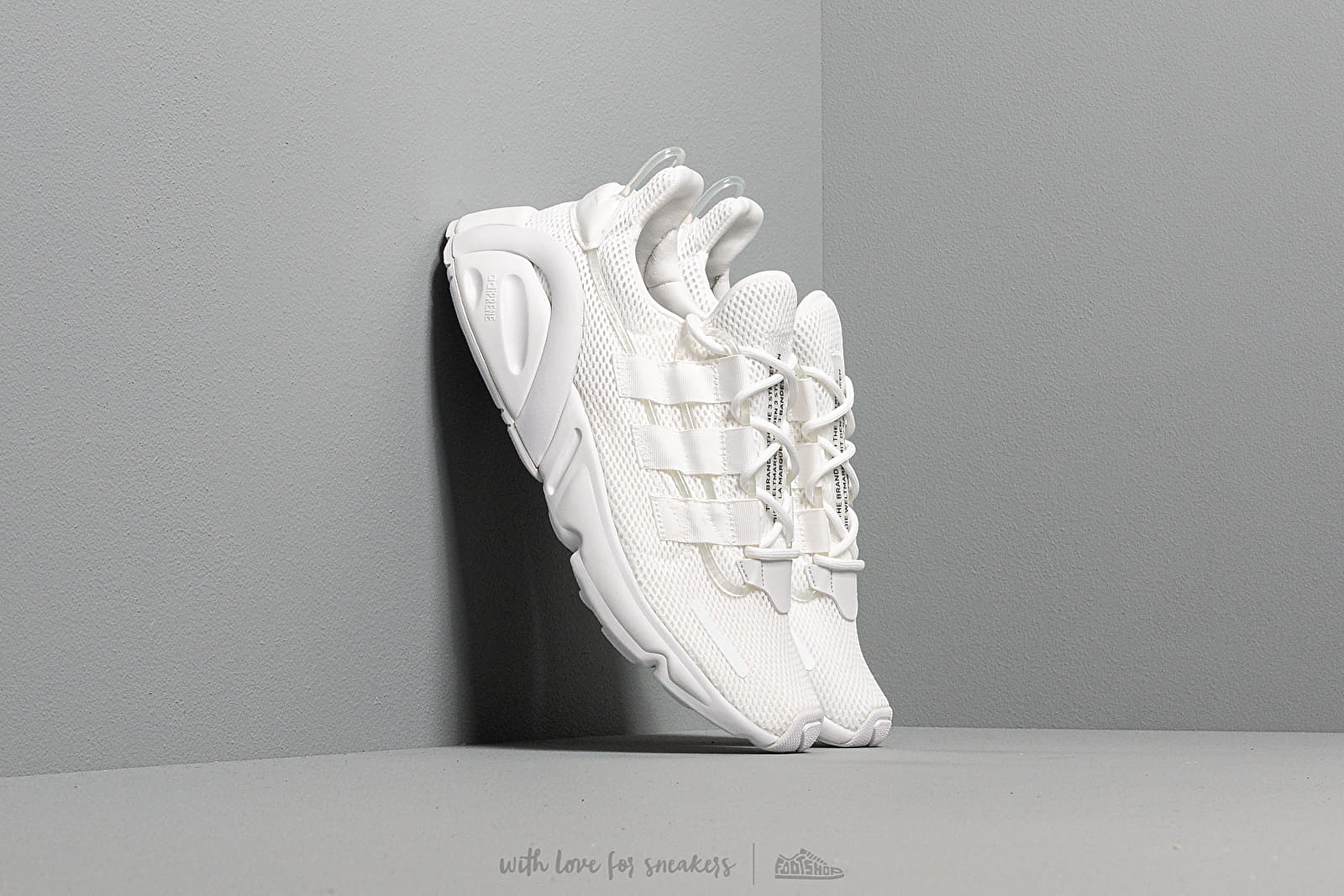 Chaussures et baskets homme adidas LXCON Ftw White/ Ftw White/ Core Black