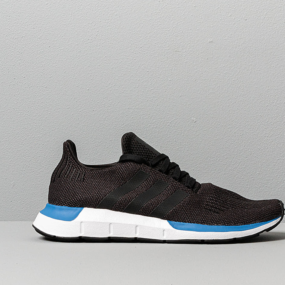adidas Swift Run Core Black/ Core Black/ Ftw White