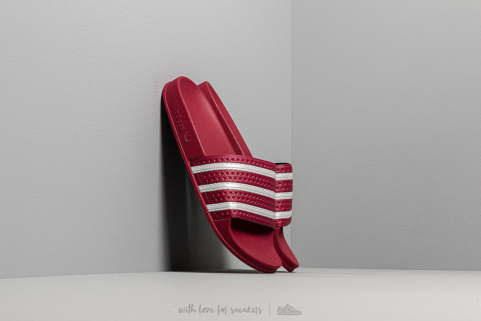 Men's shoes adidas Adilette Core Burgundy/ Ftw White/ Core Burgundy