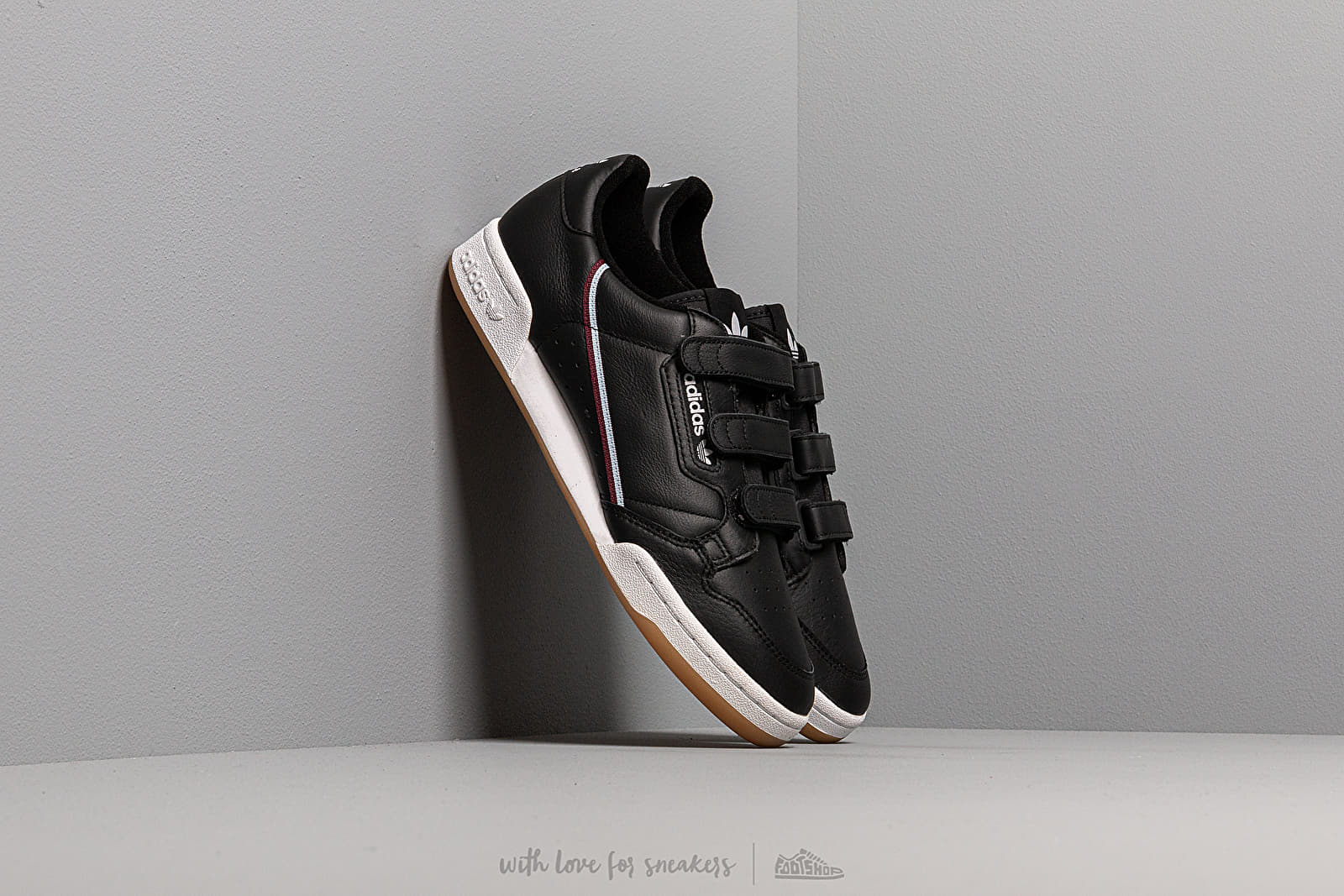 Chaussures et baskets homme adidas Continental 80 Strap Core Black/ Maroon/ Glow Blue