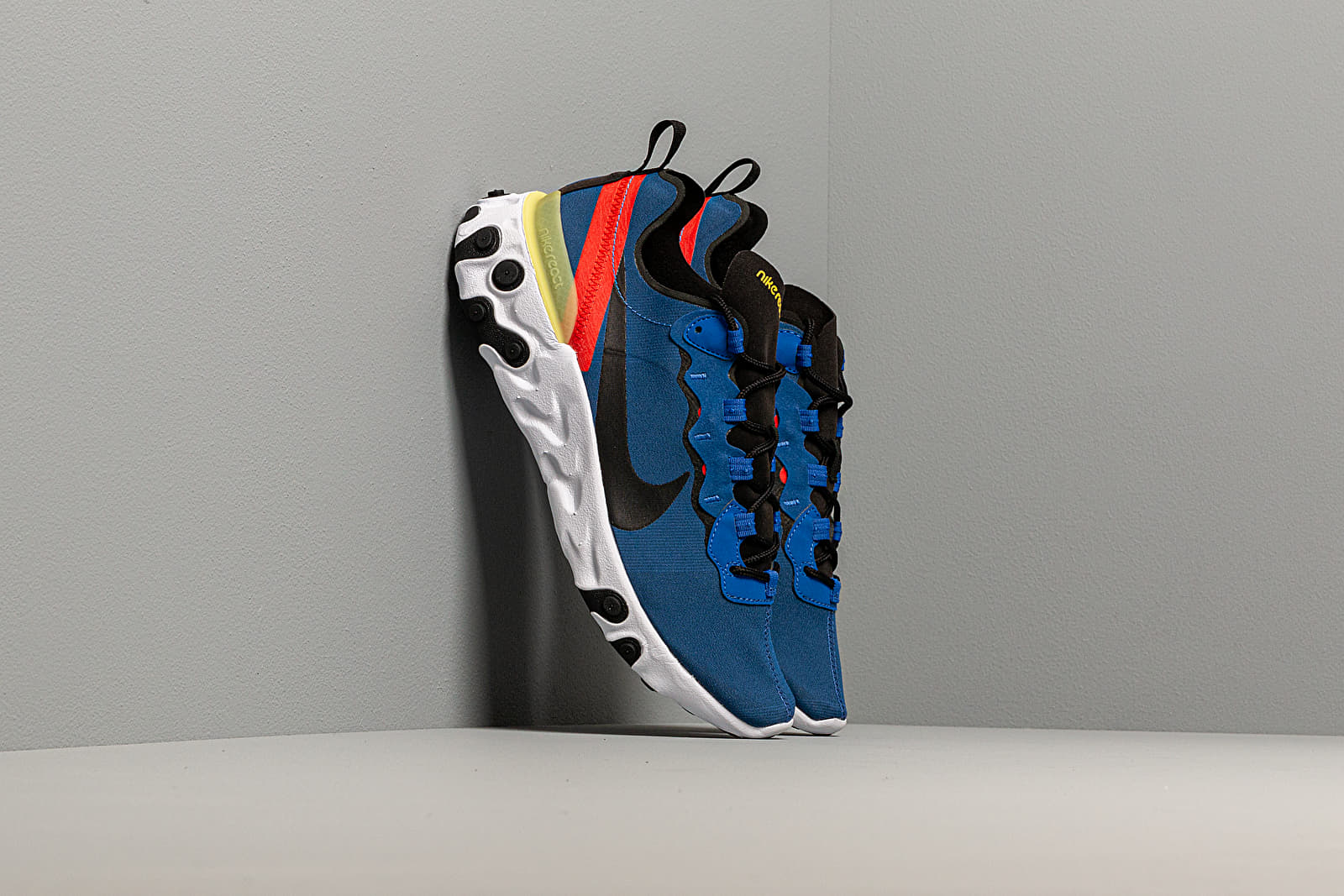 Pánské tenisky a boty Nike React Element 55 Game Royal/ Black-White-Dynamic Yellow