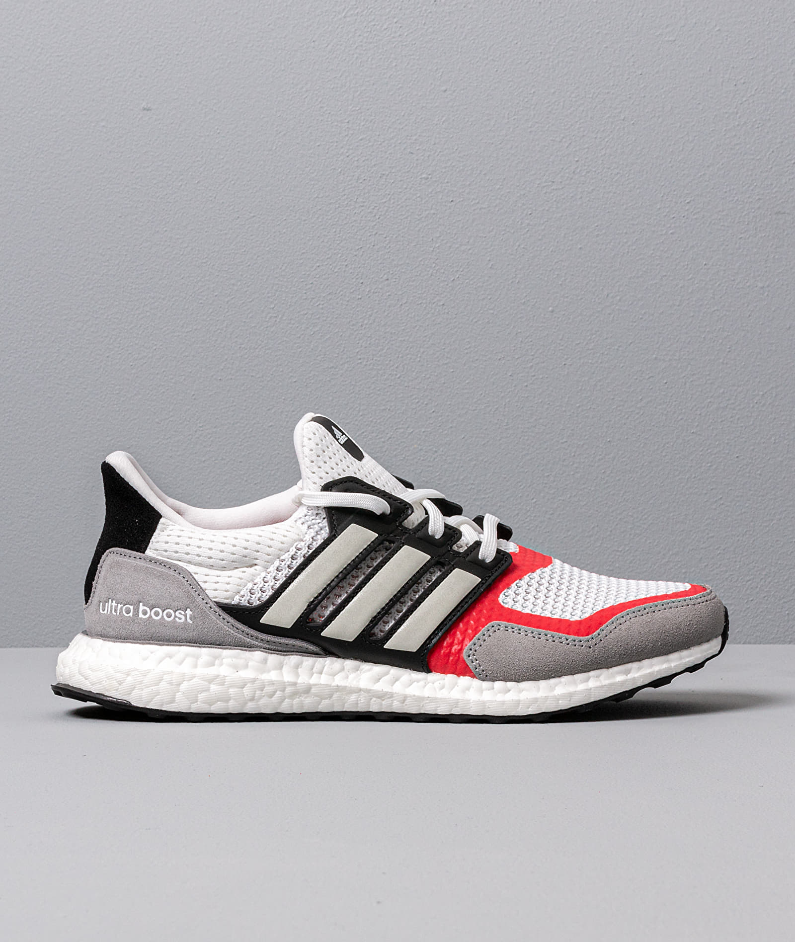 adidas UltraBOOST S&L M Ftw White/ Grey Two/ Scarlet