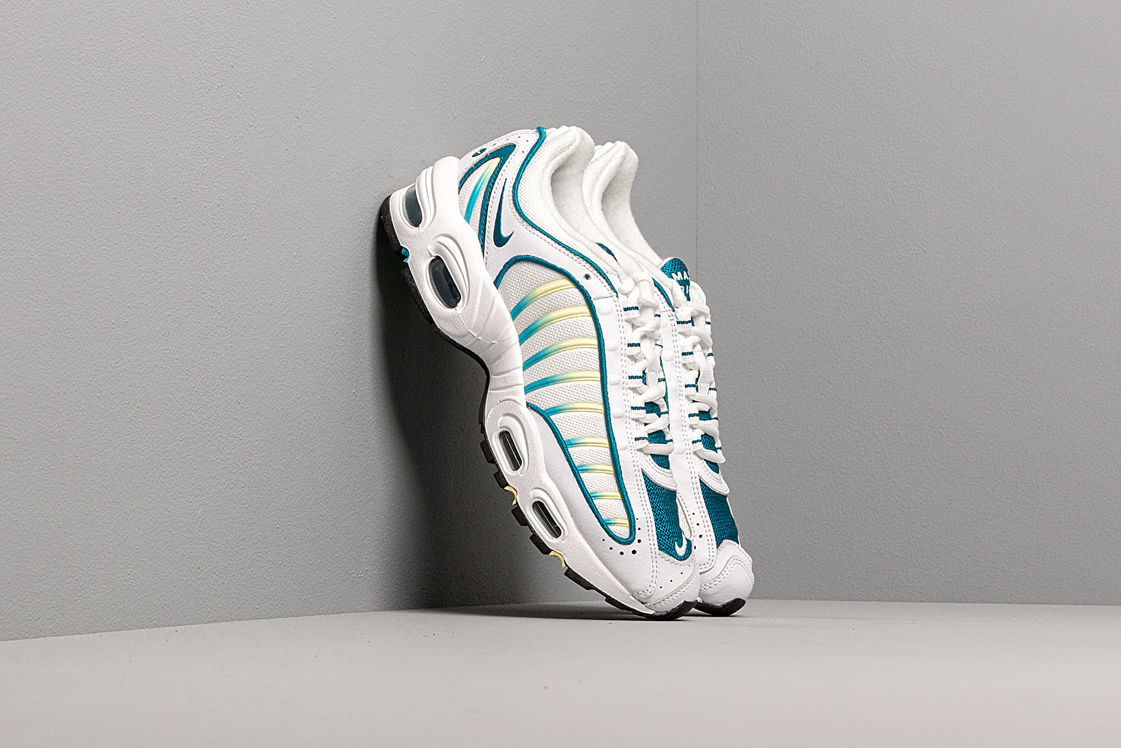 Frauen Nike W Air Max Tailwind IV White/ Green Abyss-Electric Green
