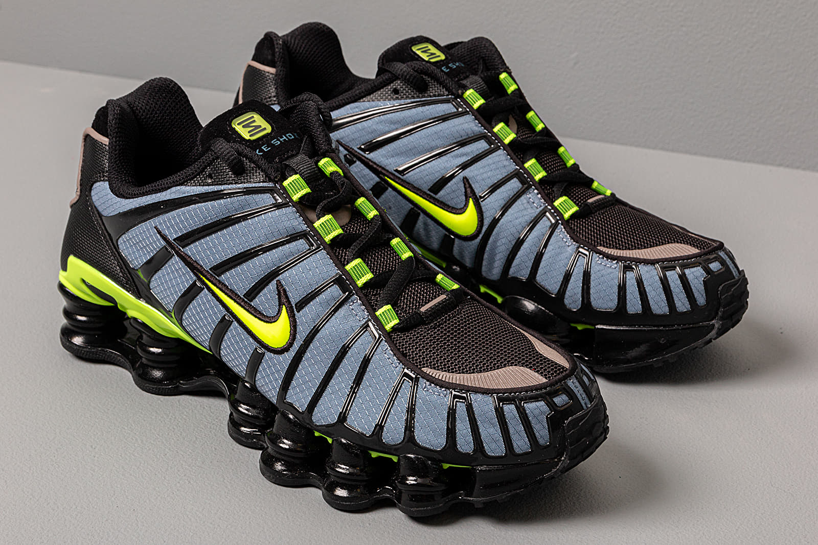 Revolucionario Agresivo Patatas  Men's shoes Nike Shox Tl Thunderstorm/ Volt-Black | Footshop