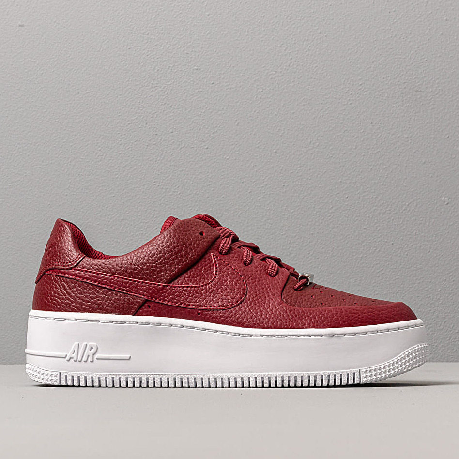 Nike W Air Force 1 Sage Low Team Red Team Red Noble Red