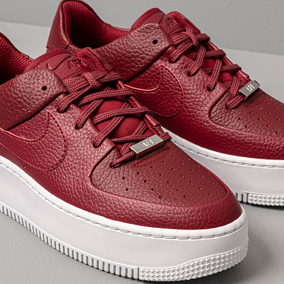 Nike W Air Force 1 Sage Low Team Red/ Team Red-Noble Red