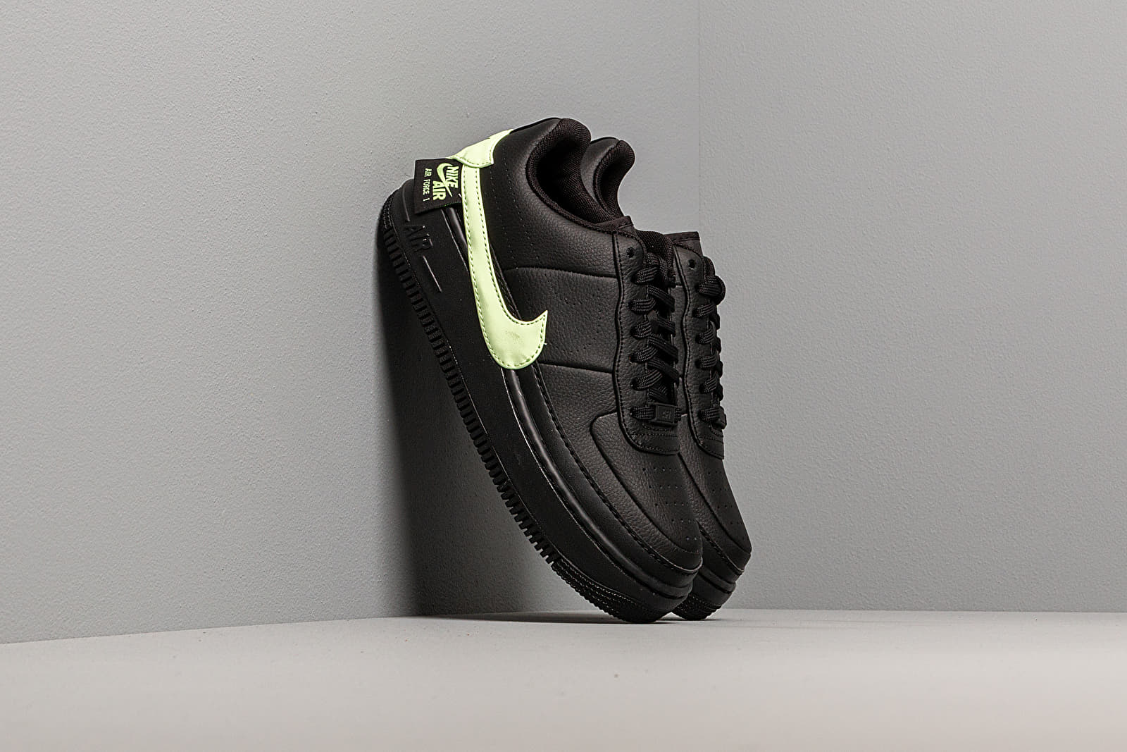 nike air force jester black