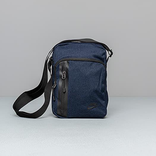 Nike Tech Small Items Waistpack Obsidian Black Black | Footshop
