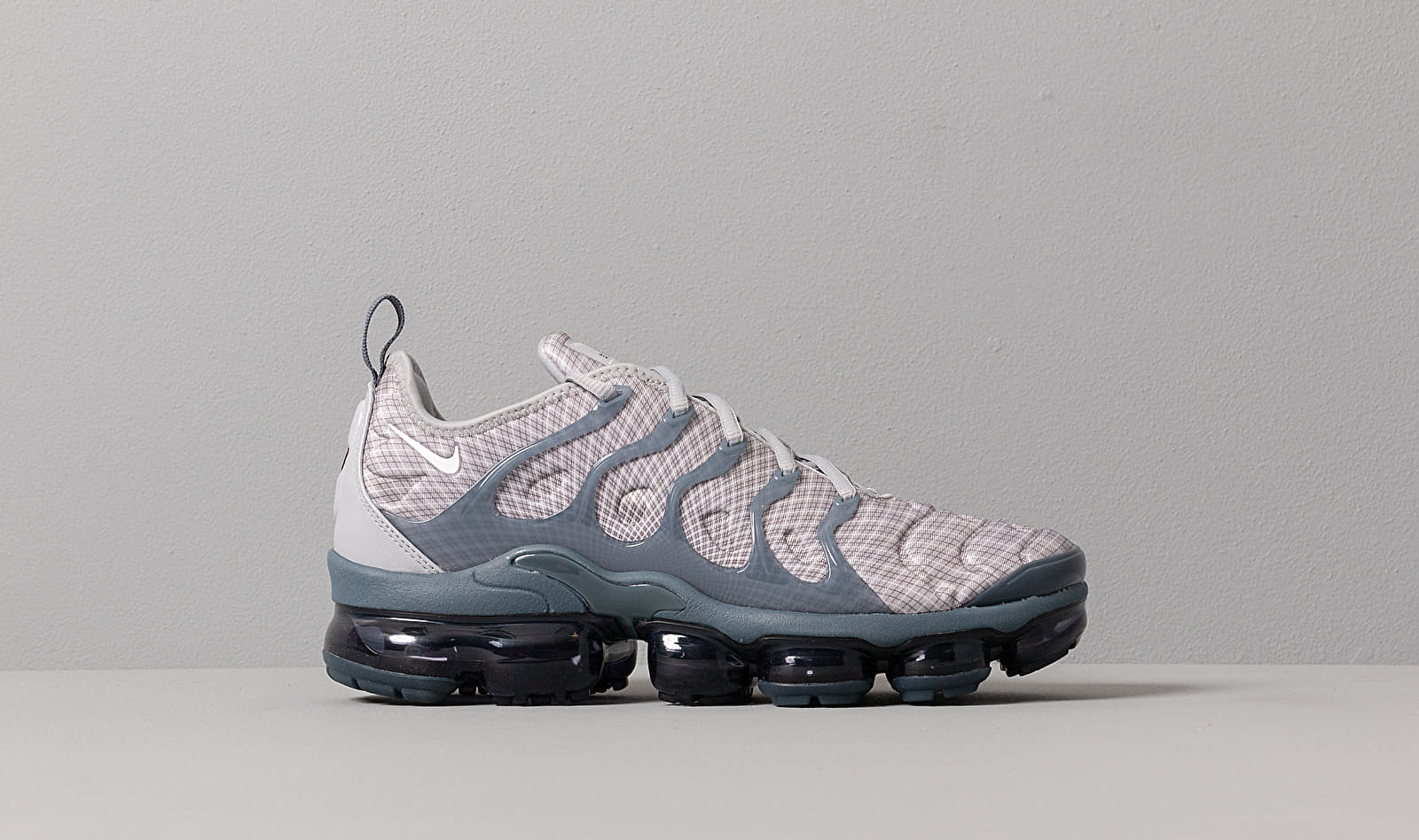 new arrival elegant shoes 100% genuine Nike Air Vapormax Plus Wolf Grey/ White-Dark Grey-Team Orange ...
