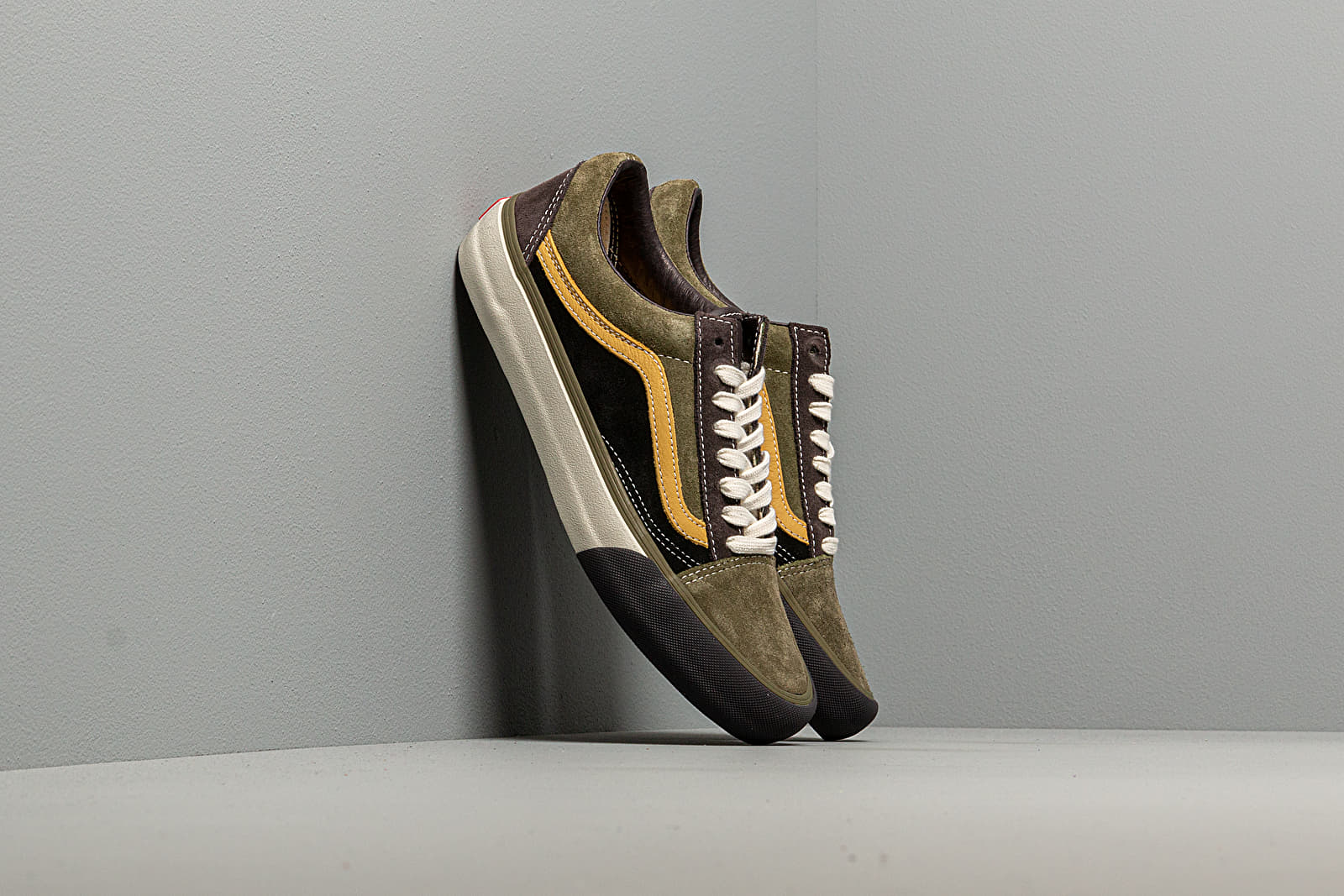 Vans Old Skool VLT LX (Suede/Leather)