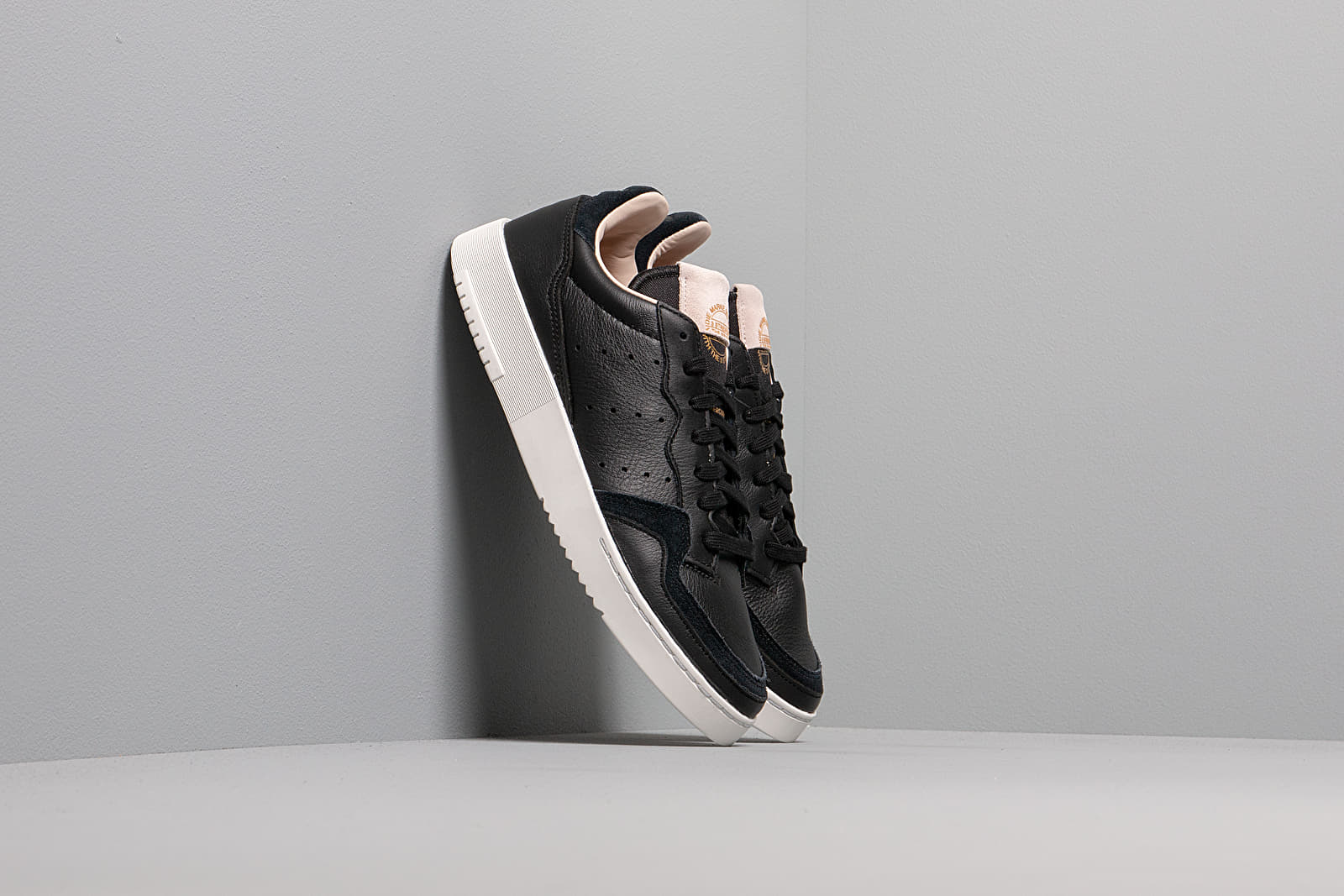 Männer adidas Supercourt Core Black/ Core Black/ Crystal White