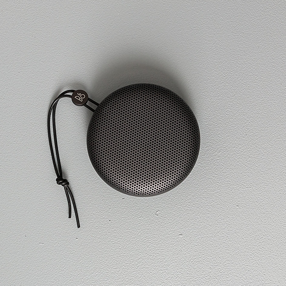 Bang  Olufsen Beoplay A1 Portable Bluetooth Speaker Black