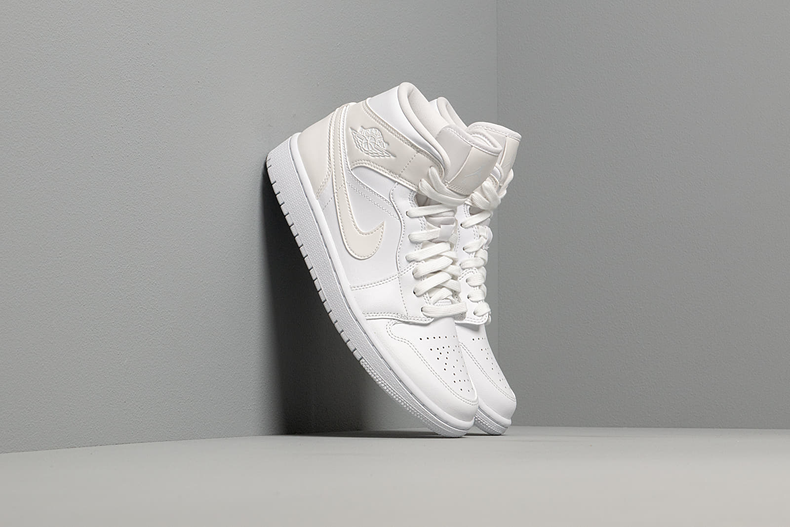 Women's shoes Wmns Air Jordan 1 Mid White/ White-White