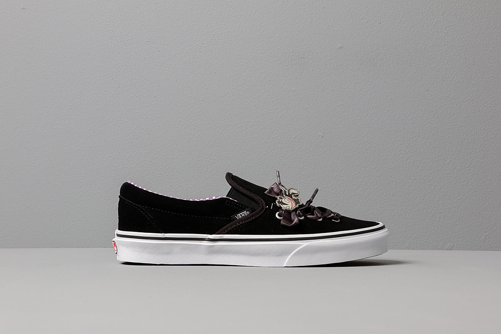 Vans x The Nightmare Before Christmas Classic Slip On Lace (DISNEY) Haunted Toys
