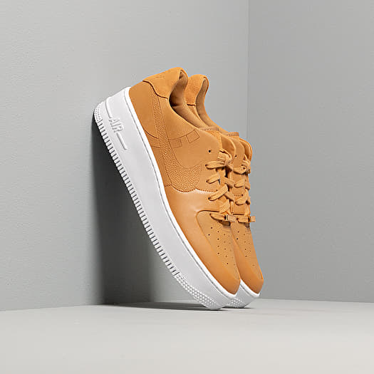 palo adyacente Decimal  Women's shoes Nike W Air Force 1 Sage Low LX Wheat/ Wheat-Metallic  Gold-White | Footshop