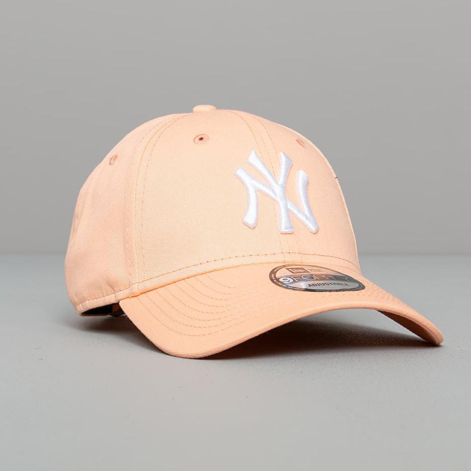 New Era 9Forty MLB Basic New York Yankees Cap Peach OSFM