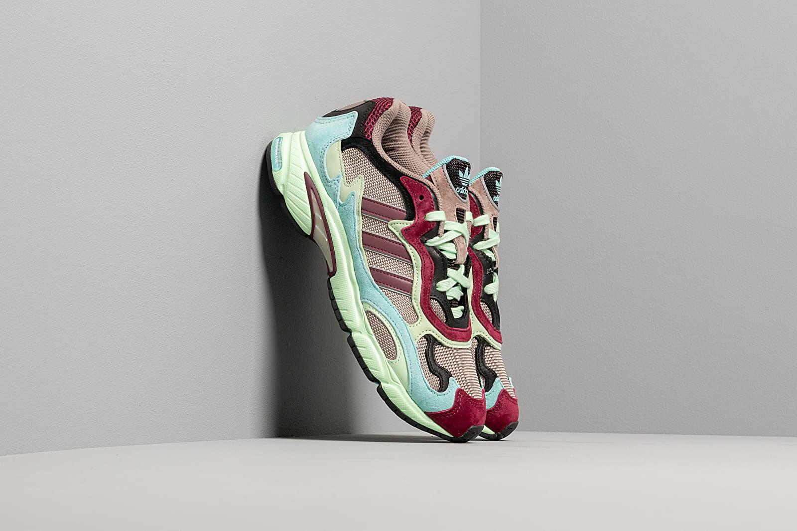 Scarpe e sneaker da uomo adidas Temper Run Core Black/ Easy Mint/ Glow Green