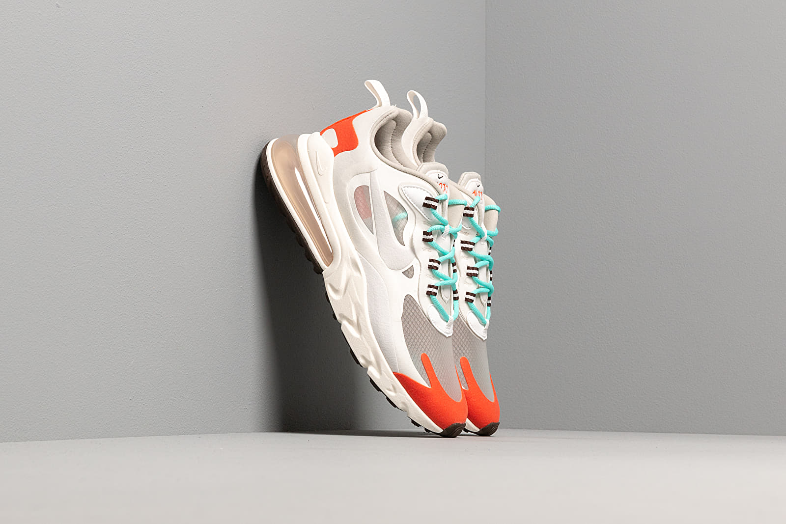 Men's shoes Nike Air Max 270 React Light Beige Chalk/ Platinum Tint