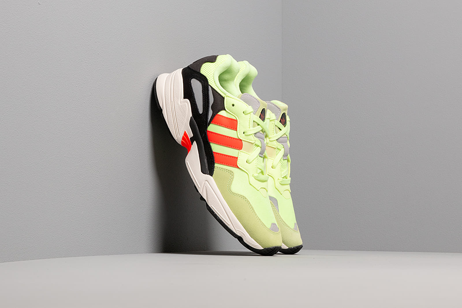 Zapatillas Hombre adidas Yung-96 Hi-Res Yellow/ Solar Red/ Off White