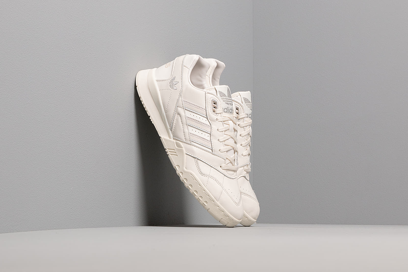Women's shoes adidas A.R. Trainer W Off White/ Raw White/ Ecru Tint
