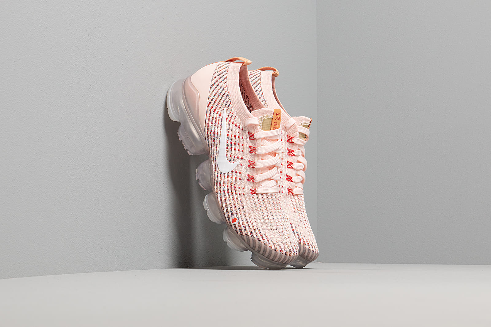 Dámske topánky a tenisky Nike W Air Vapormax Flyknit 3 Sunset Tint/ White-Blue Force-Gym Red