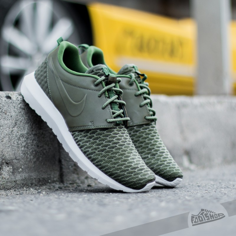 detailed look 19ea0 9c38d Nike Roshe NM Flyknit Premium