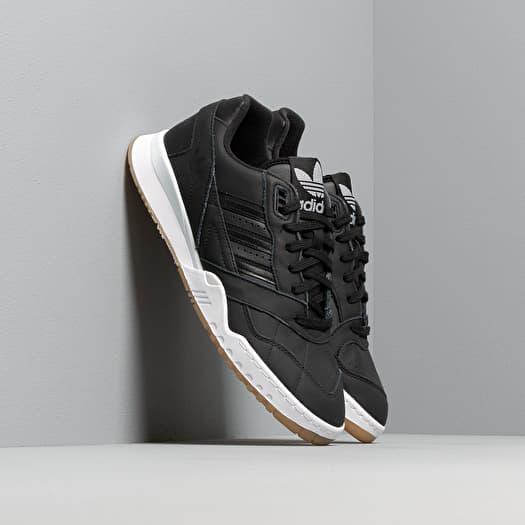 Men's shoes adidas A.R. Trainer Core