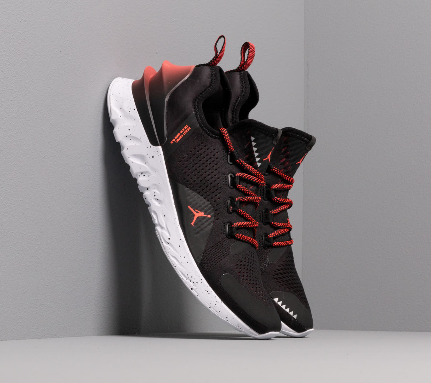 Jordan React Havoc Black/ Bright Crimson-White
