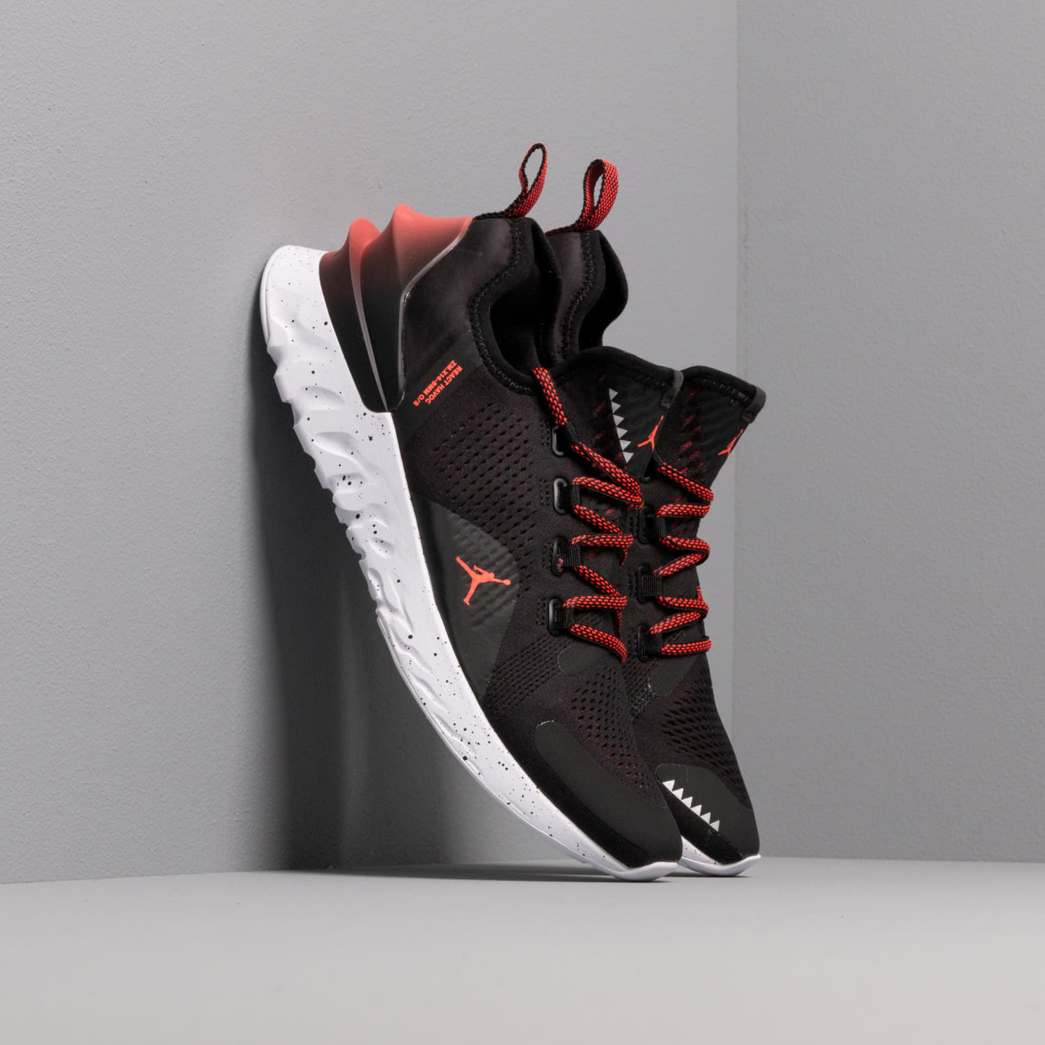 Men's shoes Jordan React Havoc Black/ Bright Crimson-White