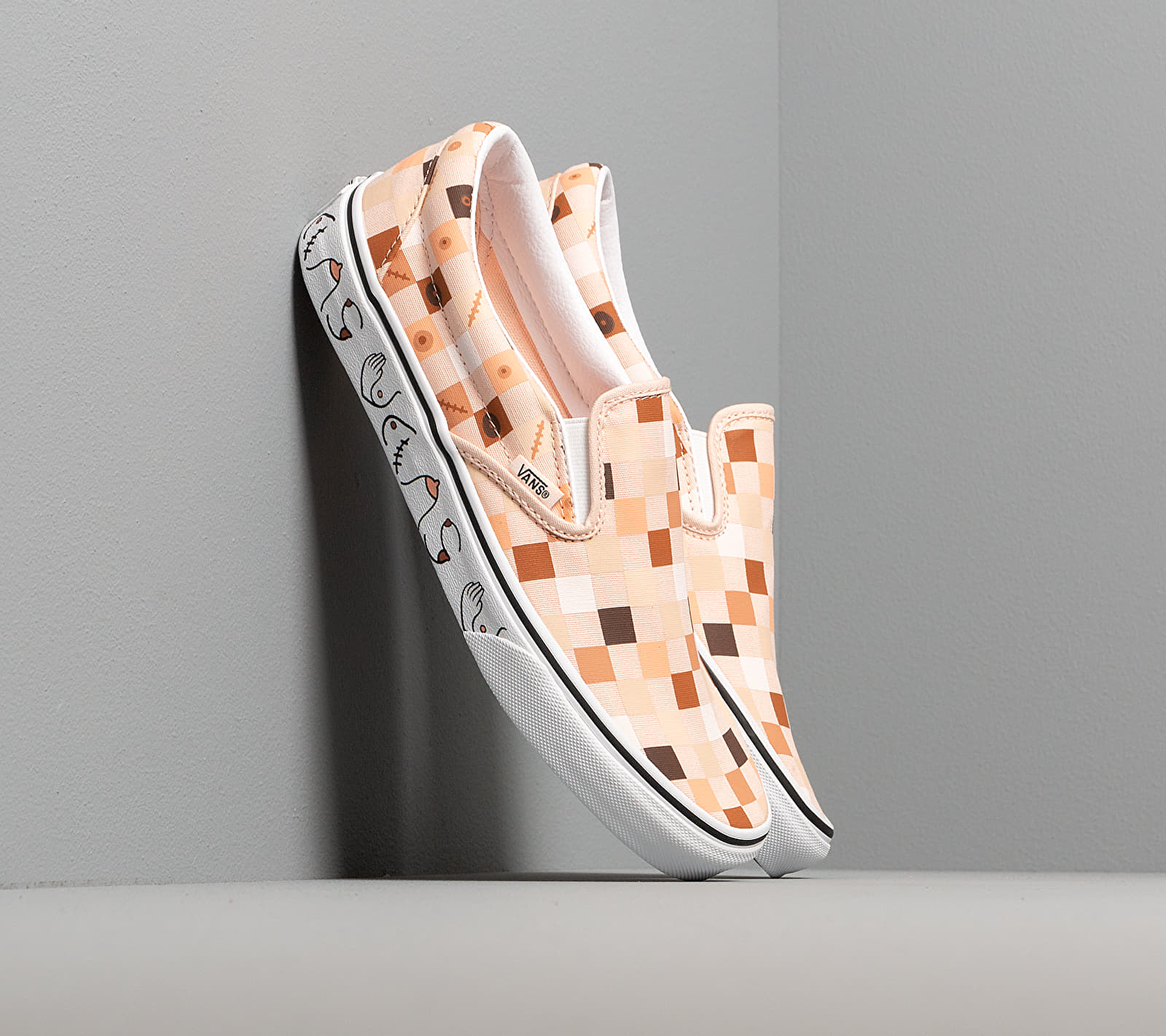 Vans Breast Cancer Awareness Classic Slip-On Nude Check/ True White EUR 42