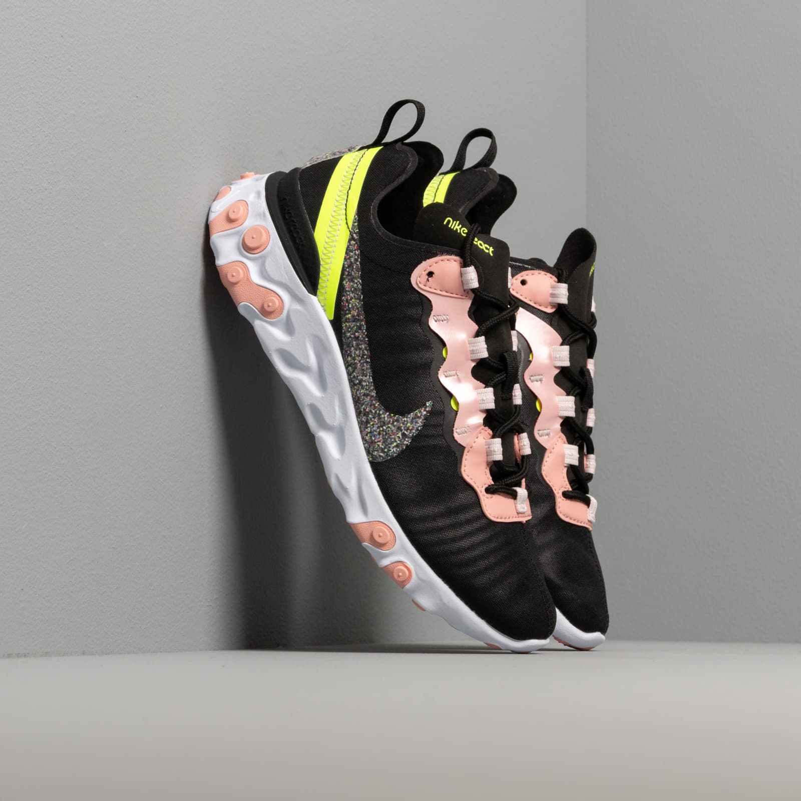 Zapatillas mujer Nike W React Element 55 Premium Black/ Volt-Coral Stardust