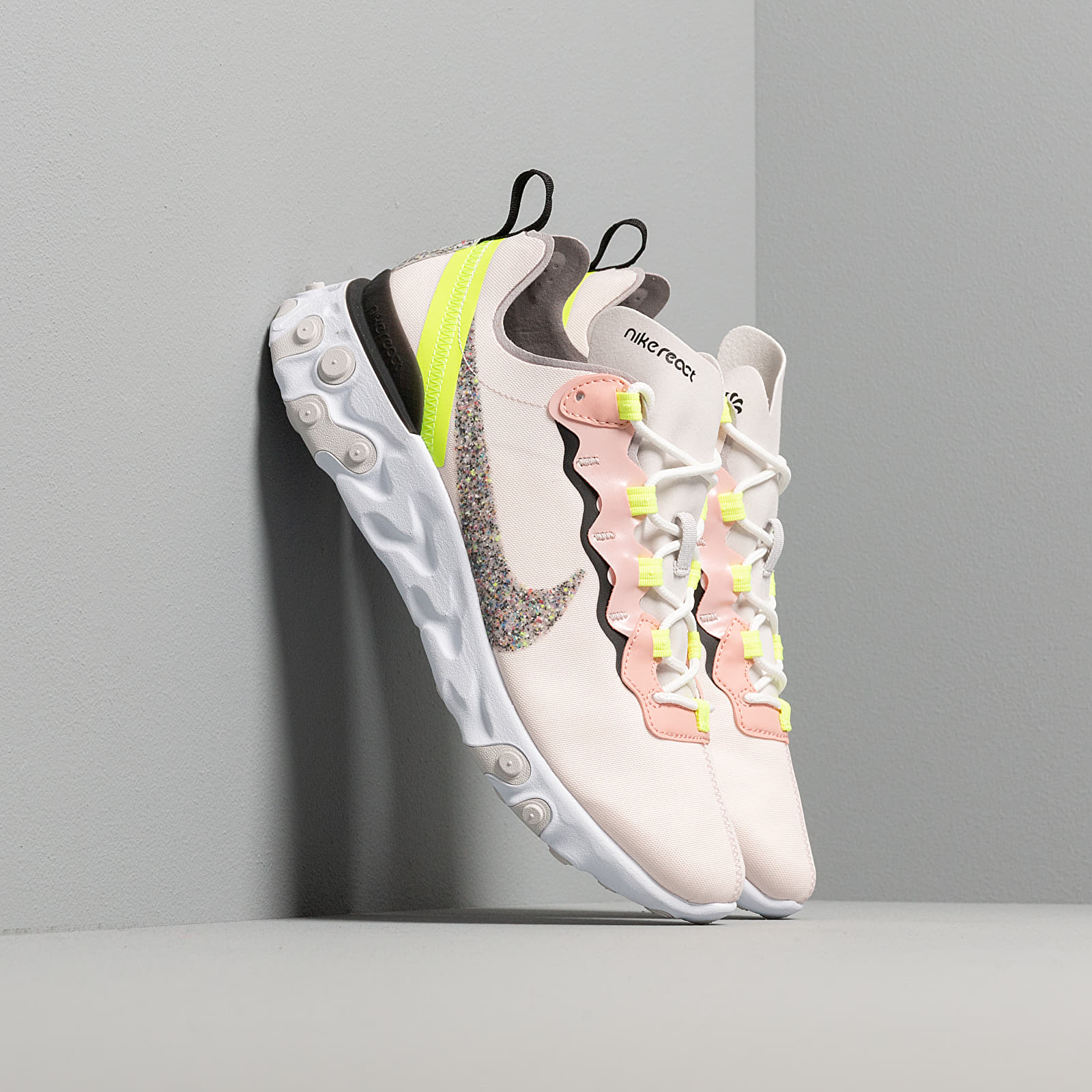 Women's shoes Nike W React Element 55 Premium Light Soft Pink/ Atmosphere Grey-Black