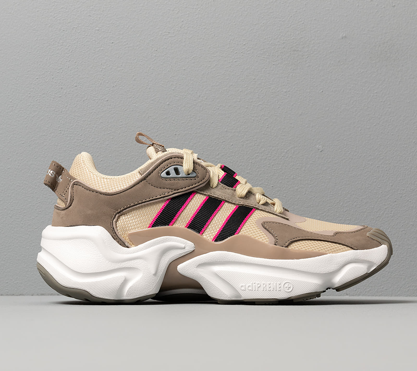 adidas Magmur Runner W Stdesa/ Core Black/ Trace Cargo, Brown